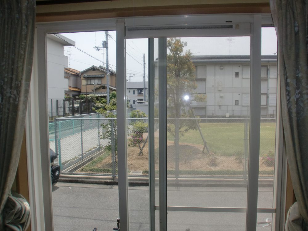 <お客様の声>柏原市 一般戸建住宅のUVカットガラスコーティング2