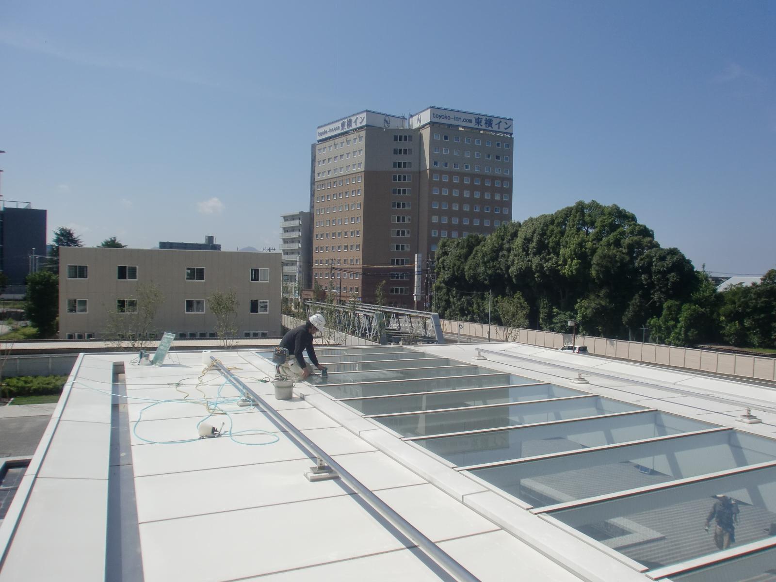 某研究施設キャノピー ハイドロテクト ガラスコーティング
